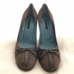 Marc Jacobs brown suede & leather pumps size 10.5